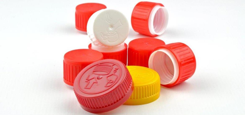 zakrętki plastikowe
